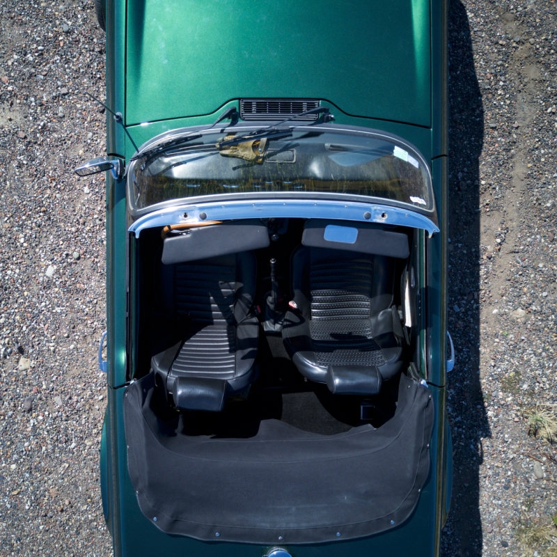 shooting-triumph-tr6-drone-photo-video-love-my-car-3