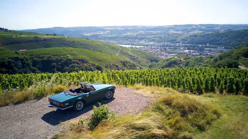 shooting-triumph-tr6-drone-photo-video-love-my-car-5