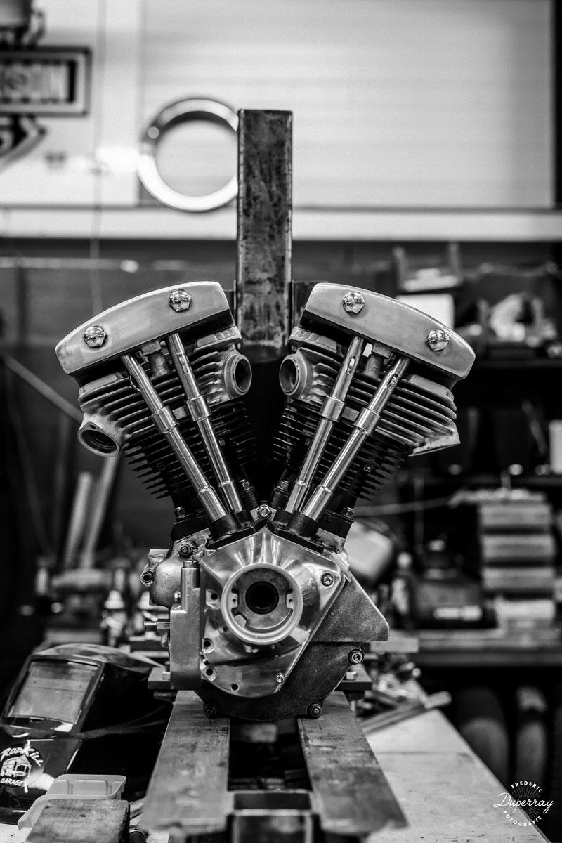 v8-moteur-automobile-americaine-vintage-lyon